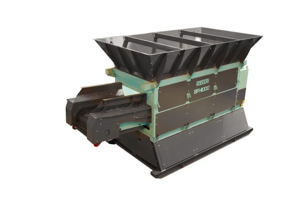 mobile feeder and hopper