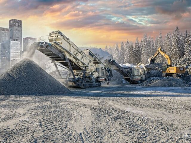 Lokotrack e-Power diesel-electric crushers and screens