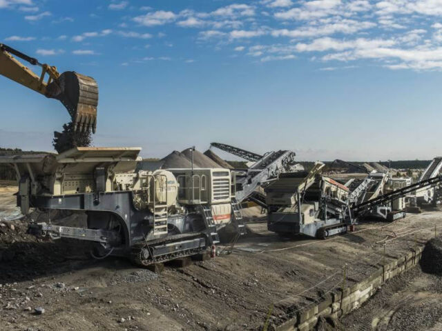 METSO Mobile Train of Crushing and Screening Equipment